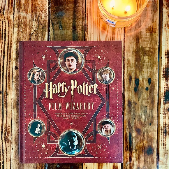 ✨LIKE NEW ⚡️Harry Potter Film Wizardry Book⚡️